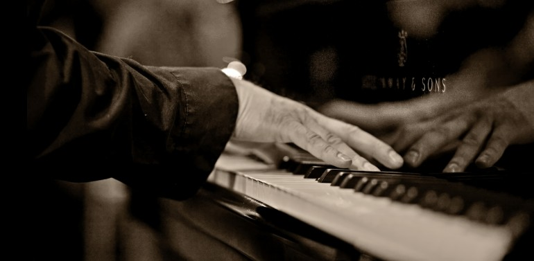 Hooked on Music! tour 10 Lapland Steinway&Sons_sepia